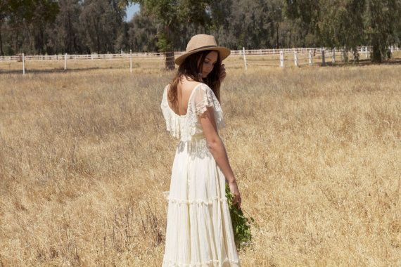 Off The Shoulder, Ivory, Vintage Wedding Dresses, lace - Lacey on Etsy, $970.68