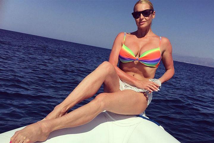 Мои новости: Ноги Анастасии Волочковой шокировали публику.