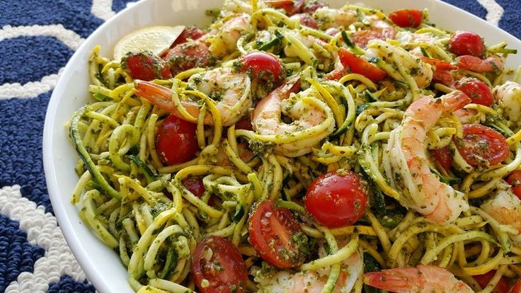 Fresh Pesto with Shrimp & Zoodles Recipe CleanFoodCrush http://cleanfoodcrush.com/pesto-shrimp-zoodles/
