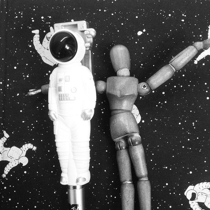 "16 curtidas, 1 comentários - Adolfo Jetler (@adolfojetler) no Instagram: ""There's a starman waiting in the sky 🌠🌠 #spaceman #astronauta #space #stars #nasa #adolfojetler"""