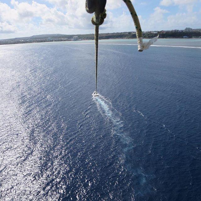 高い怖い #parasailing #guam #sky #sea #パラセーリング #グアム #旅行 #旅 #海 #空 #instatraveling 2016/06/19 19:00:50