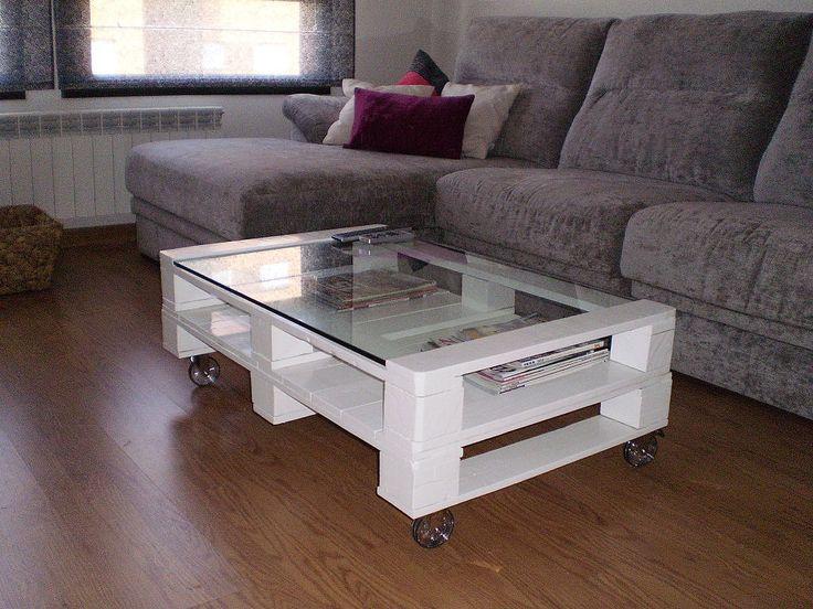 Como mesa de centro para vuestro salón hoy os proponemos algunos diseños hechos con palets.