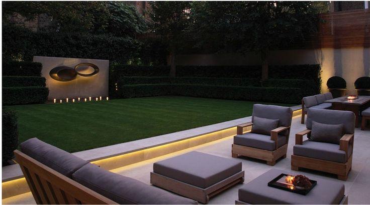 Modern garden by Luciano Giubbilei
