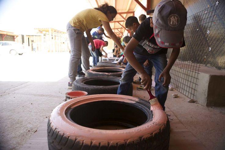 CatalyticAction · Architettura e partecipazione: un parco giochi per i bambini rifugiati siriani in Libano · Divisare