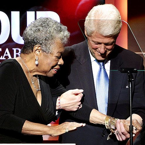 a literary analysis of on the pulse of morning by maya angelou When dr maya angelou read her poem, on the pulse of morning, written especially for president bill clinton's inauguration in 1993, the 'best kept secret in literary circles' was thoughtfully revealed to the whole world.