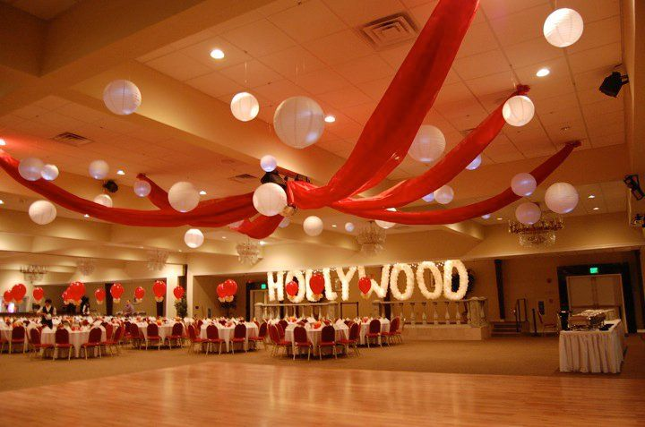 Hollywood theme 8th grade dance pinterest streamers for Hollywood party dekoration