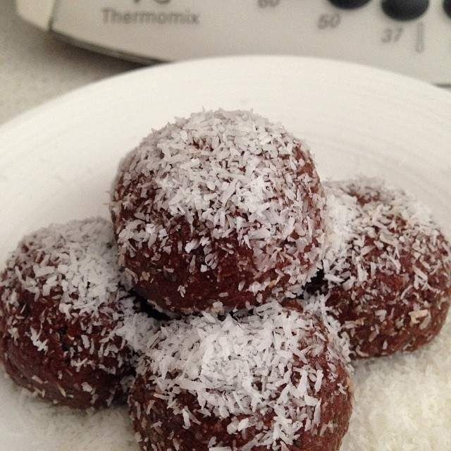 Organic Raw Cacao Bliss Balls