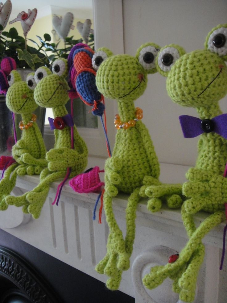 Amigurumi frogs (Inspiration only).