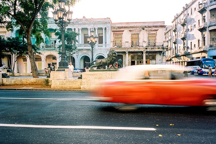 Timeless Cuba photos shot on 35mm film by Paul Krol