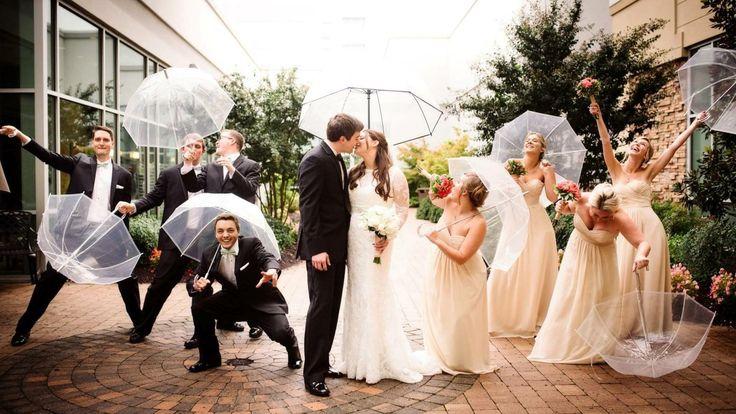 La Ballrooms by Bamboo garantam distractie si sub stropi de ploaie, gasim variante haioase pentru sedinte foto sub umbrela si cum in cultura populara romaneasca se spune ca ploaia in ziua nuntii reprezinta un semn de belsug, sigur ofertele noastre va vor incanta si va vor ajuta sa puneti si bani deoparte pentru o luna de miere... Raspundem 24 h din 24 la numerele: 0724322189 / 0724247163