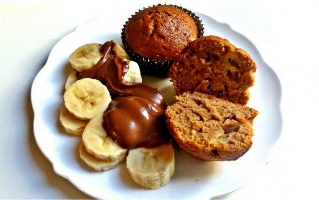Πανεύκολα κεκάκια με ζαχαρούχο, μπανάνα και μερέντα - iCookGreek