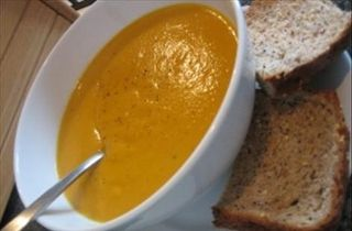Spicy sweet potato & lentil soup