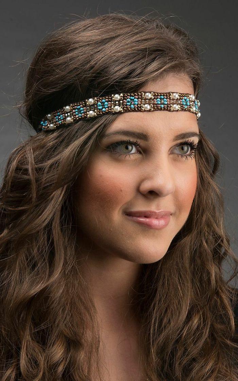 Idée Coiffure :    Description   coiffure boheme, bandeau en perles façon hippie chic, cheveux chataîns    - #Coiffure https://madame.tn/beaute/coiffure/idee-coiffure-coiffure-boheme-bandeau-en-perles-facon-hippie-chic-cheveux-chatains/