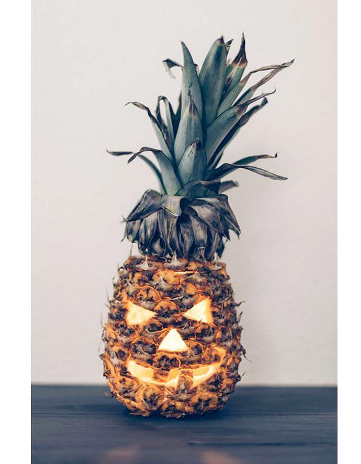 Ananas Jack O' Lantern - Halloween : 24 recettes effrayantes et faciles repérées sur Pinterest - Elle à Table