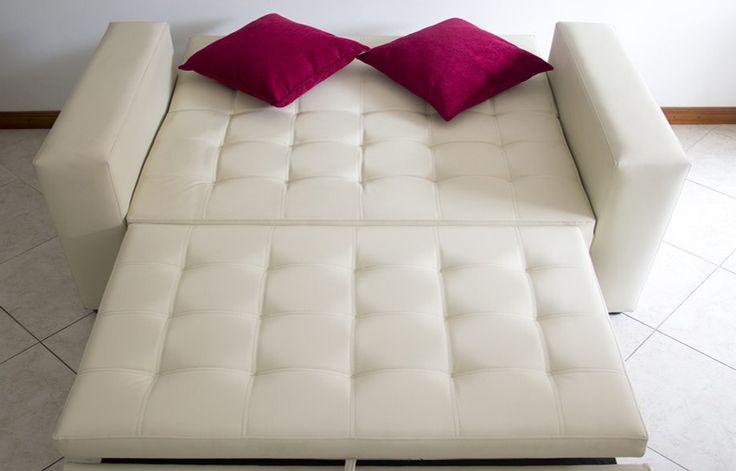Sofacama Aleman, reclina hacia atrás y de la silla sale la expansión hacia arriba, sus medidas en cama son 1,20 de ancho * 1,80 de largo.  PRECIO $1.199.000