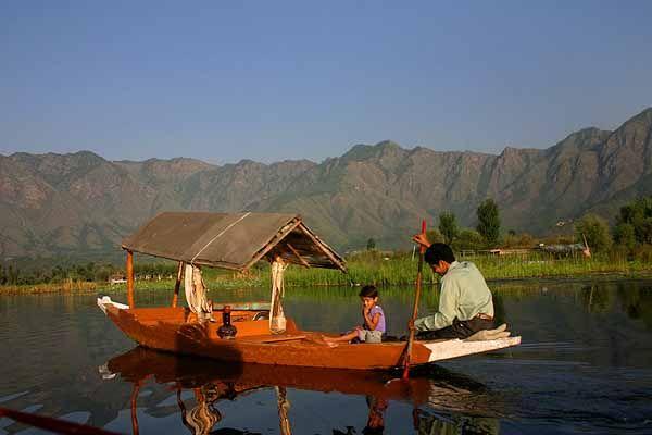 * Shikaras * Kashmir Dal Lake. Estado de Jammu and Kashmir, Índia.