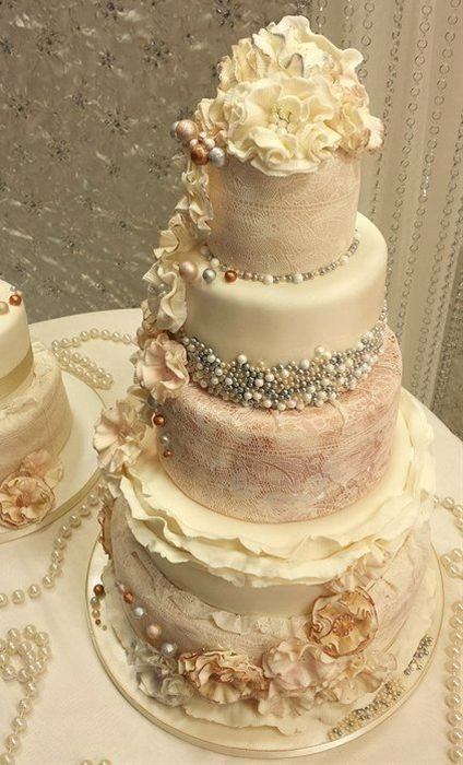 wedding cake for a beautiful asian - Click image to find more weddings posts