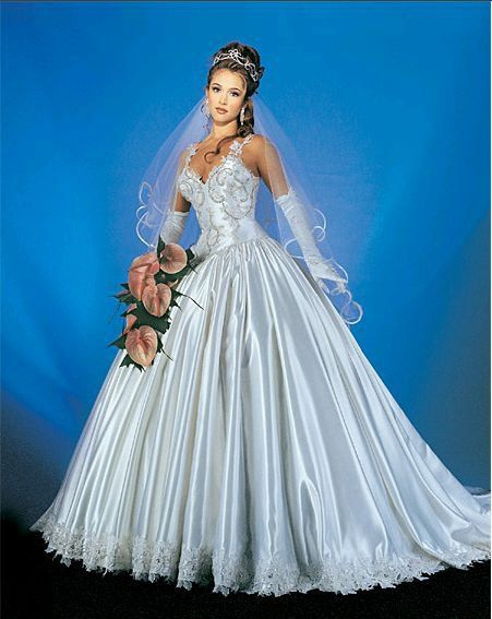 31 best Gown images on Pinterest | Wedding frocks, Bridal gowns and ...