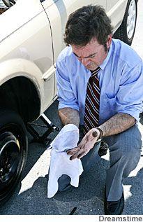 Super Dicas: Como tirar manchas de graxa de automóvel