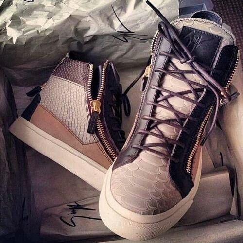 shoes, fashion, and sneakers Bild