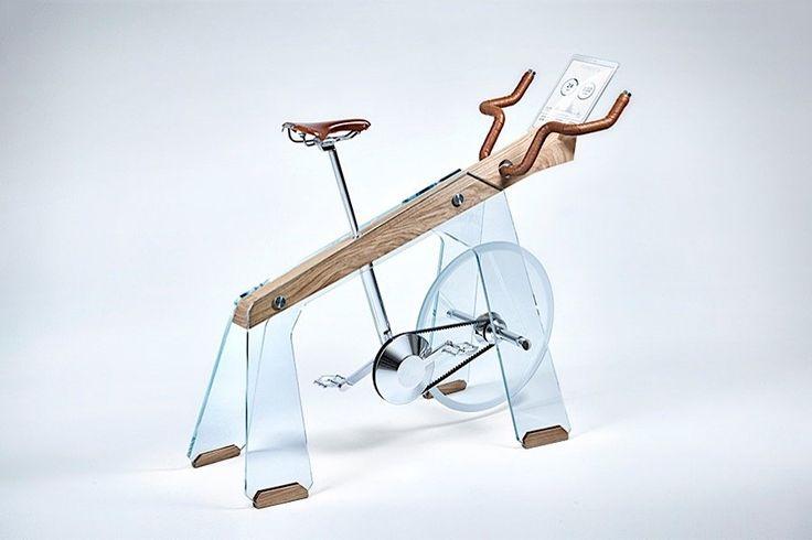 Das Fuoripista von Adriano Design ist ein schmucker Hometrainer  Ein Hometrainer muss vor allem eins: funktionieren und deine unnötigen Pfunde purzeln lassen. Selten wird bei den Standfahrrädern wirklich Wert au...