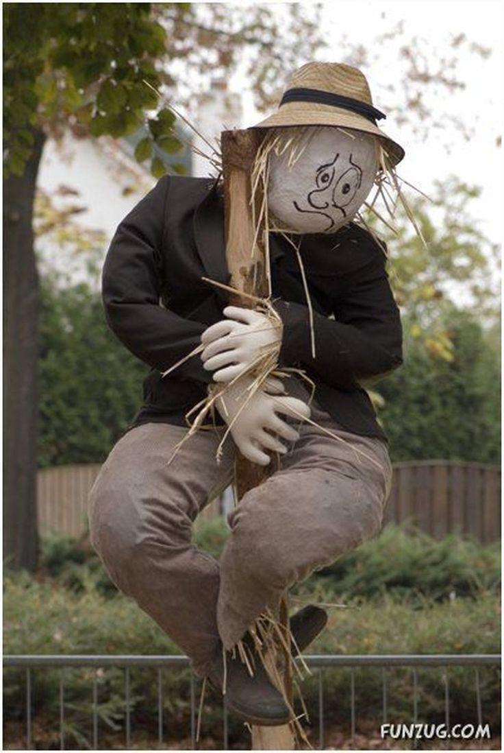 30+ Awesome Garden Scarecrow Ideas Scarecrows for garden
