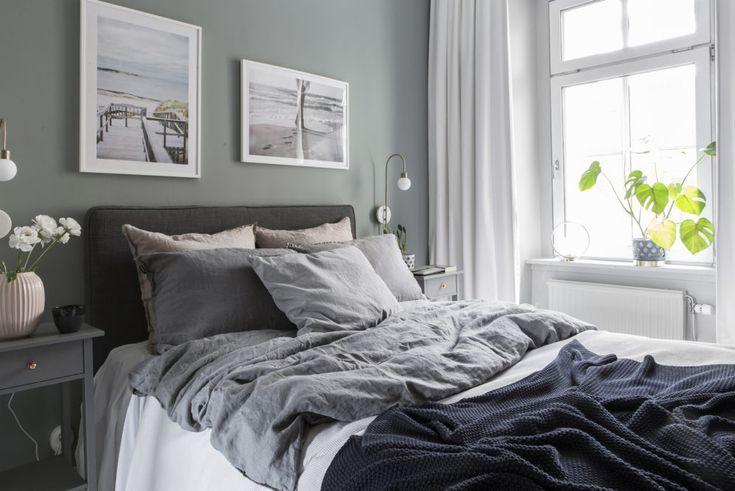Cosy bedroom in scandinavian style.