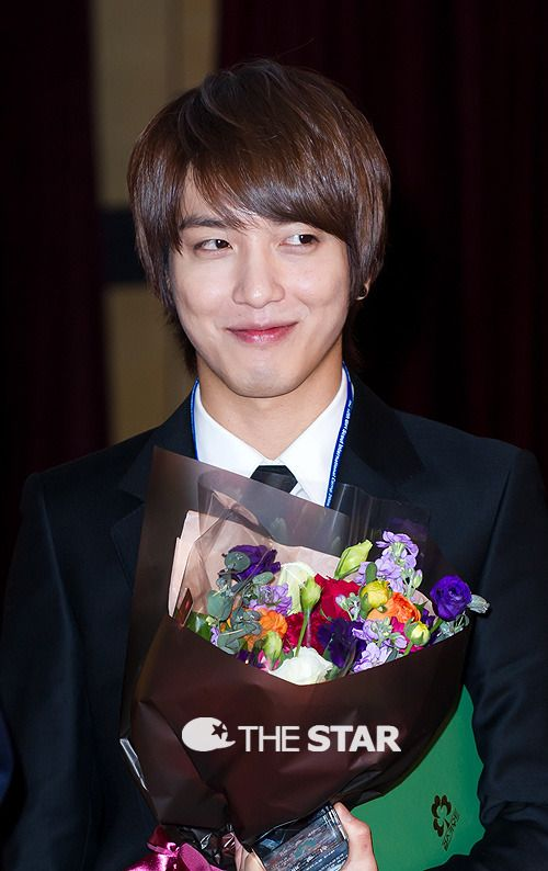 CNBLUE's Yonghwa chosen as the top singer-songwriter among idols  #allkpop #kpop #CNBLUE