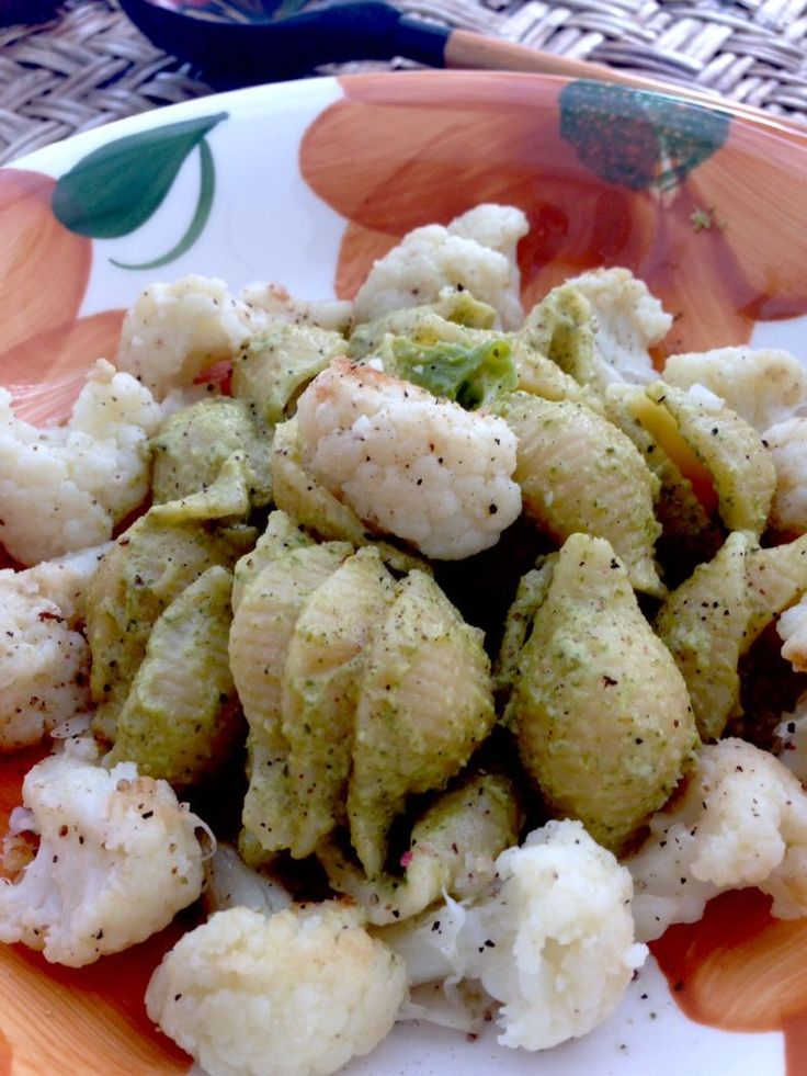 Pasta with cauliflowerto make a first course healthy and tasty at the same time... Cauliflower can be cooked using several methods.