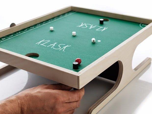 KLASK - En tæskesjov variation over bordfodbold i miniformat!
