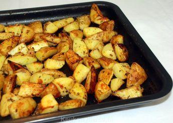 Haal de smaak van Griekenland op je bord met deze verrukkelijke ovenaardappels! Serveer er gemarineerde Griekse kipspiezen bij.
