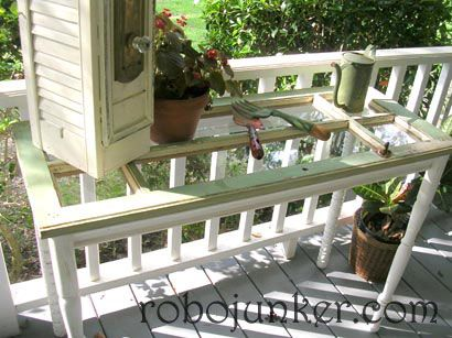 Window pane tableOld Windows Projects, Tables Legs, Diy Crafts, Sofas Tables, Old Windows Frames, Windows Panes, Crafts Projects, Vintage Windows, Old Doors