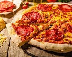 pizza au chorizo, poivron et tomate à ma façon