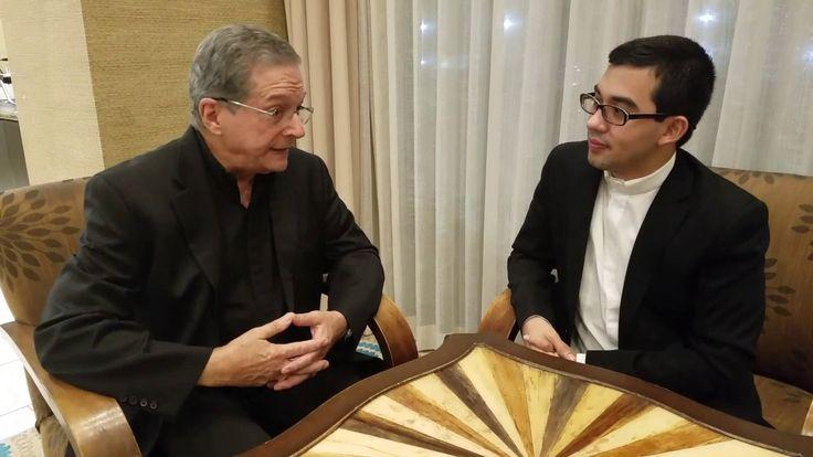 El Padre Pedro Núñez aconseja al Padre Sam. Imperdible.