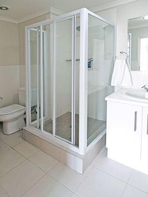 Self catering accommodation, Muizenberg, Cape Town   Bathroom   http://www.capepointroute.co.za/liveit-muizenberg.php
