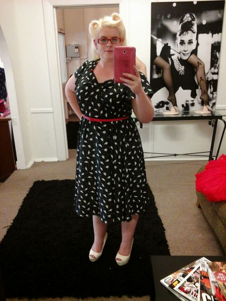 Miss Dixie O'Dare: Finished Kitty Valentine Dress Plus the FREE PDF Pattern!