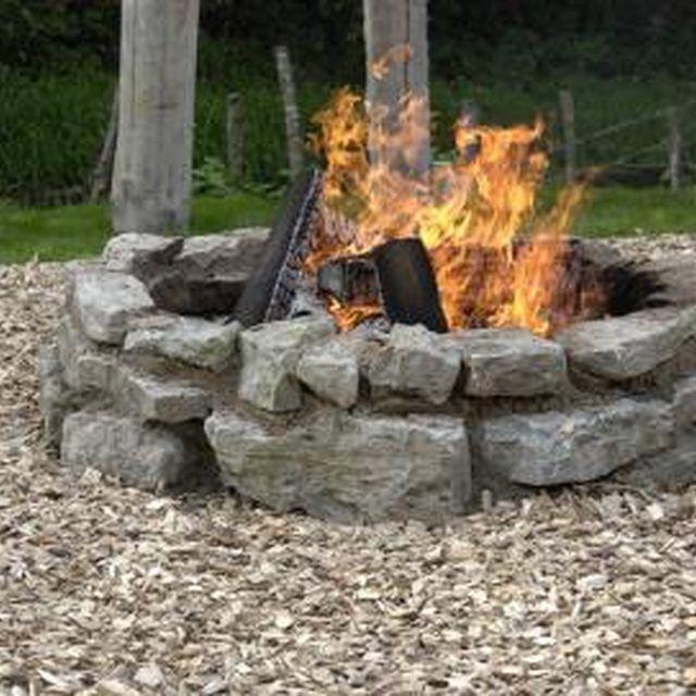 Unique Fire Pit Ideas: Best 25+ Rock Fire Pits Ideas On Pinterest