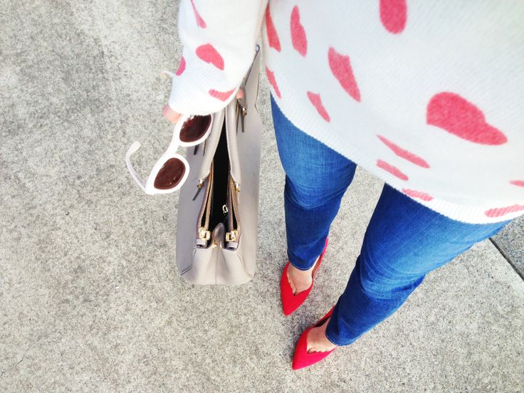It's love... #fwis #fashionbloggers #love #hearts #kardashiankollection #jbrand #equipmentfr