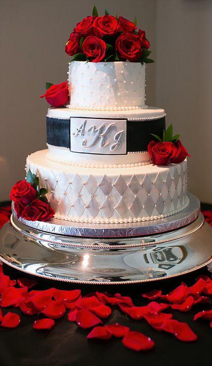 Delmar Events   Best Wedding Planning & Coordination Los Angeles   Black, Red, White Cake   Red Rose Petals