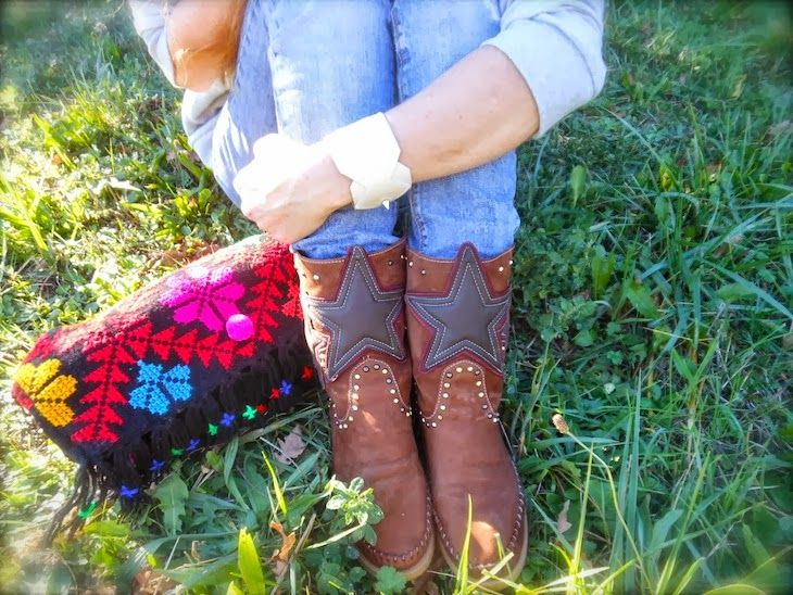 We just saw this beautiful picture of the Hydra!! We love karma of charme boots!!
