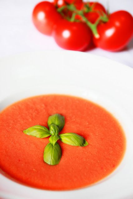 Le Gaspacho de Tomate. Source : http://www.lacuisinedebernard.com/2011/09/le-gaspacho-aux-tomates.html