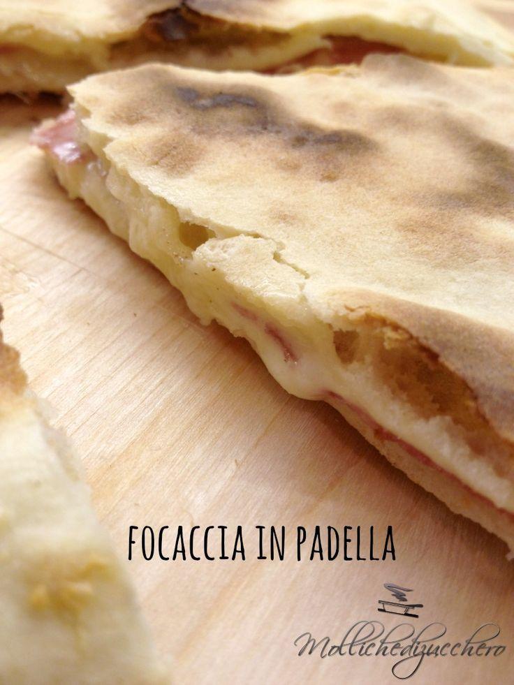 Focaccia in padella salame e formaggio - Molliche di zucchero