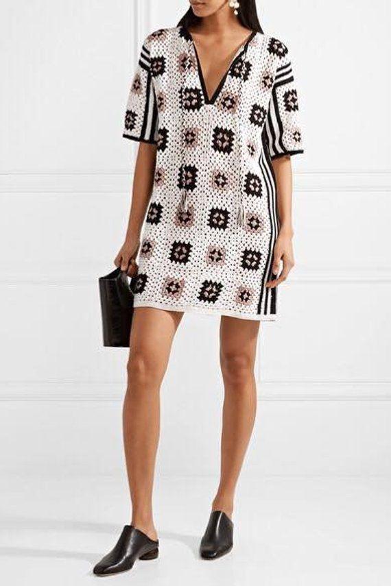 Crochet Kleid mit Motiven Quadrate 6969f976a6