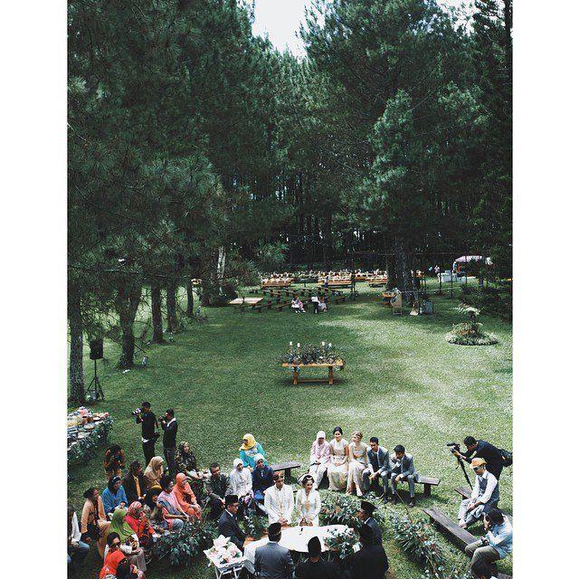 Ingin Punya Pernikahan Unik di Hutan Pinus Seperti Andien? Andalkan Saja 7 Tips dari Hipwee Ini!