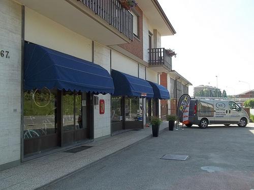 capottine_per_negozi_Torino_www.mftendedasoletorino (10)