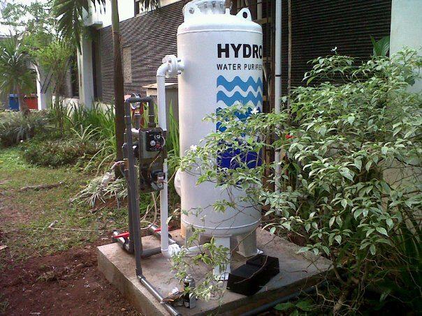Kampus Universitas Indonesia di salemba menggunakan Filter Air Hydro STN 4 untuk memenuhi kebutuhan air bersih di area kampus tersebut, dengan kapasitas kebutuhan air bersihnya rata-rata adalah 3000 ltr/ hari. penggunaan air bakunya diambil dari air tanah dengan kondisi yang tidak layak untuk digunakan/ tidak memenuhi standar air bersih.