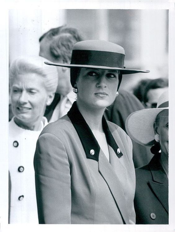 September 9 1987 Charles & Diana visit Caen in Normandy to attend a Commemorative Service on the 900th anniversary of the death of William the Conqueror. Also visited Bayeaux to see the Bayeaux tapestry