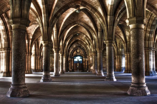 The cloisters in Glasgow University, perfect location for your wedding photographs.
