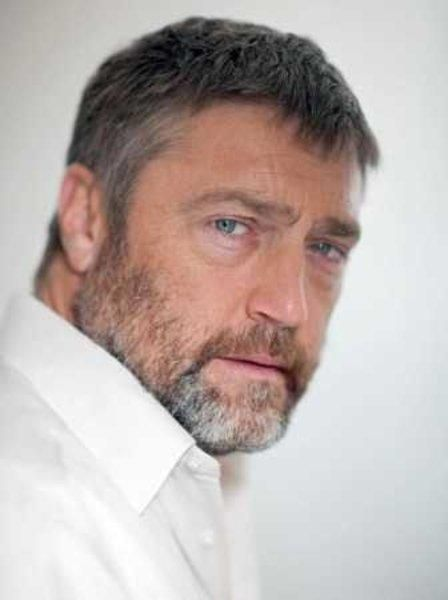 Vincent Regan (May 16, 1965) British actor, known from his role in the movie 'Troy' from 2004.