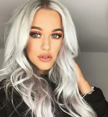 Stylin' it out on a Sunday...✌️✌️ Our #HairInspo Fave Lottie Tomlinson is the MANE attraction... #COLAB #DryShampoo #LottieTomlinson #PlatinumHair #KeepColoursBright  #RG  Lottie Tomlinson   Available Superdrug feelunique.com BeautyMart UK Cloud 10 Beauty ASOS